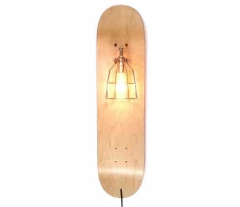 cool-gifts-skateboard-lamp