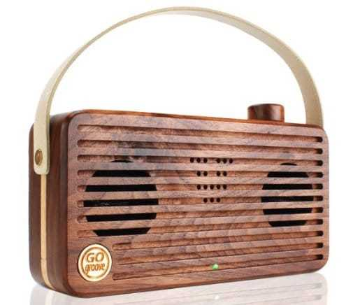 cool-gifts-wooden-speaker