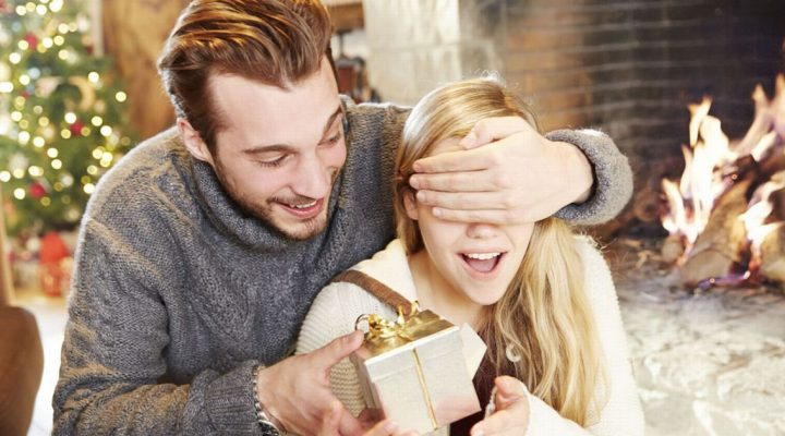 23 Fun and Thoughtful Christmas Gift Ideas for Wife